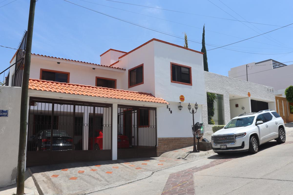 Foto Casa en Venta en  Lomas,  San Luis Potosí  Cerro Bolívar #210 Lomas 4a