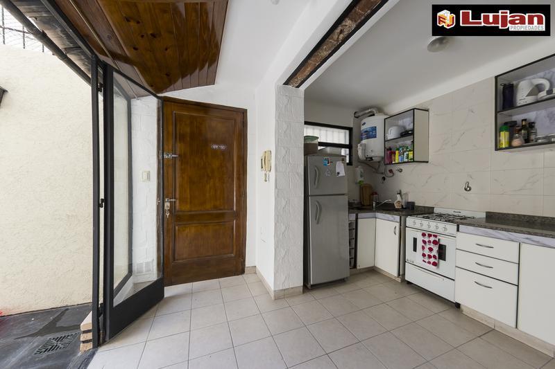 Foto PH en Venta en  Villa Luro ,  Capital Federal  Schmidl  5300 Impecable PH 3 ambientes con patio