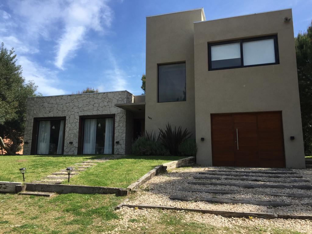 Foto Casa en Alquiler temporario en  Costa Esmeralda,  Punta Medanos          Residencial I al 127