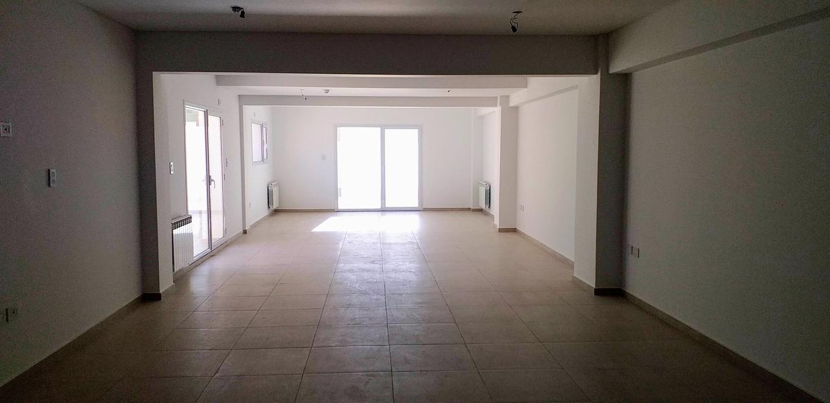 Foto Oficina en Alquiler en  Cipolletti ,  Rio Negro  Fernandez Oro al 300