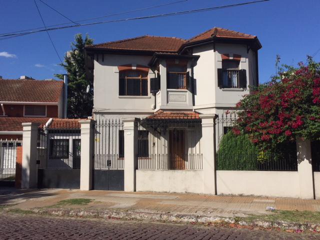 Foto Casa en Venta en  Lomas de Zamora Oeste,  Lomas De Zamora  ESPAÑA 672 e/ Ramón Falcón y Garibaldi