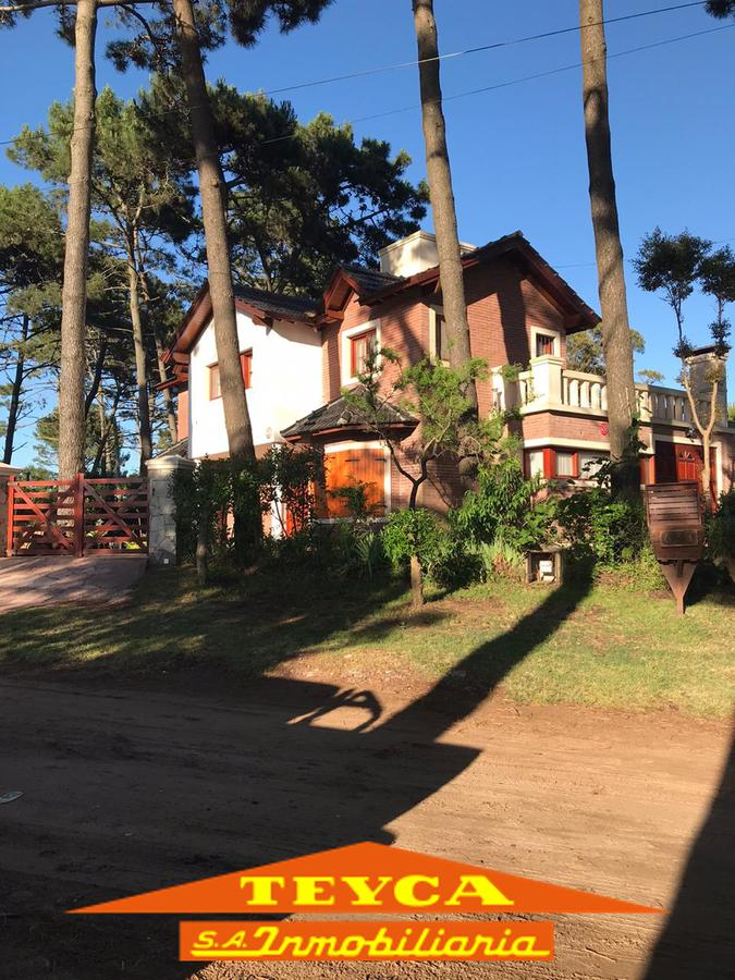 Foto Casa en Venta en  Ostende,  Pinamar  Shakespeare 639 esq. Lisboa