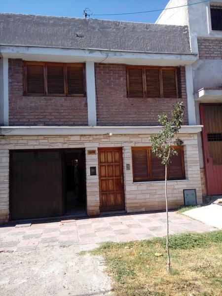 Foto Casa en Venta en  Godoy Cruz,  Godoy Cruz  Calle Derqui, B~ Bancario