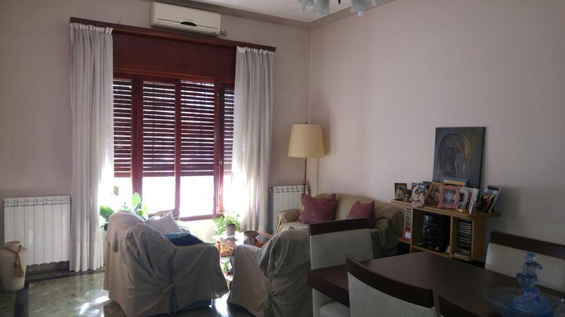 Foto Casa en Venta en  Moron Sur,  Moron  Castaños al 1200