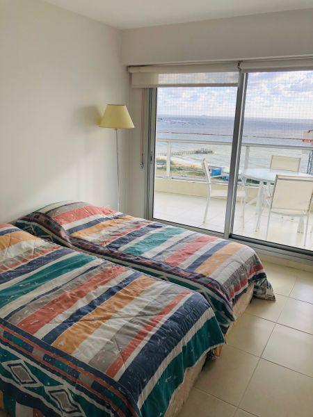 Foto Departamento en Venta en  Playa Mansa,  Punta del Este          SEASON TOWER