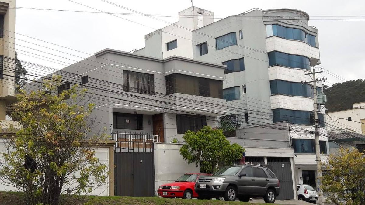 Foto Casa en Alquiler | Venta en  Centro Norte,  Quito  Casa en Renta o Venta - Avda. de las Azucenas entre Granados y Naranjos