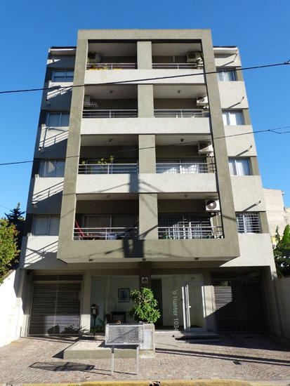 Foto Departamento en Venta en  Adrogue,  Almirante Brown  PASAJE HUNTER 1034, cortada a Somellera