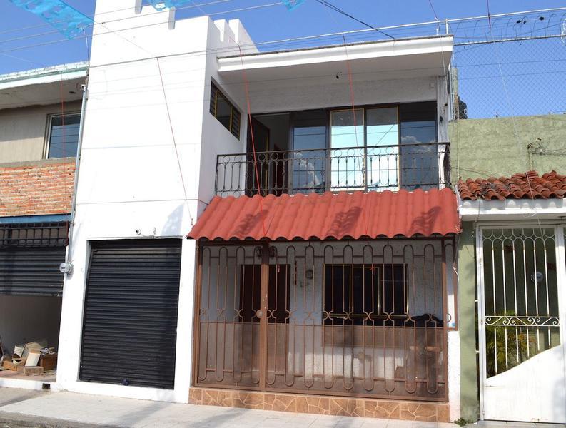 Foto Casa en Venta en  Beatriz HernAndez,  Guadalajara  Carlos Gutiérrez 1410, Beatríz Hernández, Guadalajara, Jalisco