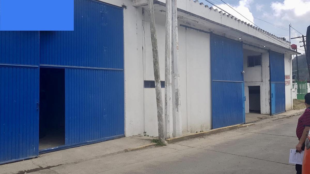 Foto Bodega Industrial en Renta en  Banderilla Centro,  Banderilla  Se renta Bodega en Banderilla Ver Zona Centro con al 300