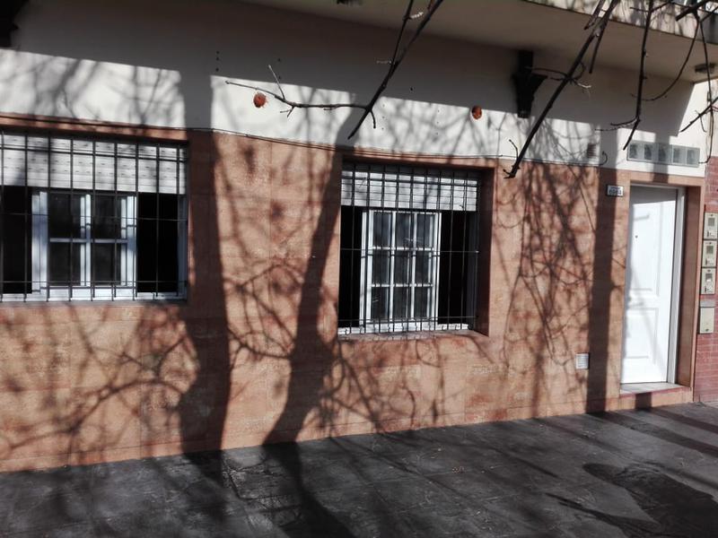Foto PH en Venta en  Mataderos ,  Capital Federal  P.H. de 2 ambientes en Tapalqué al 6.900 , P.B. al frente, con patio o segunda habitación.