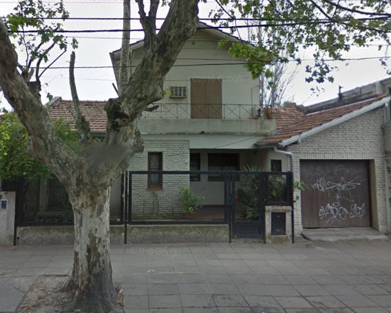 Foto Casa en Venta en  Castelar Norte,  Castelar  Arias entre san pedro e Italia