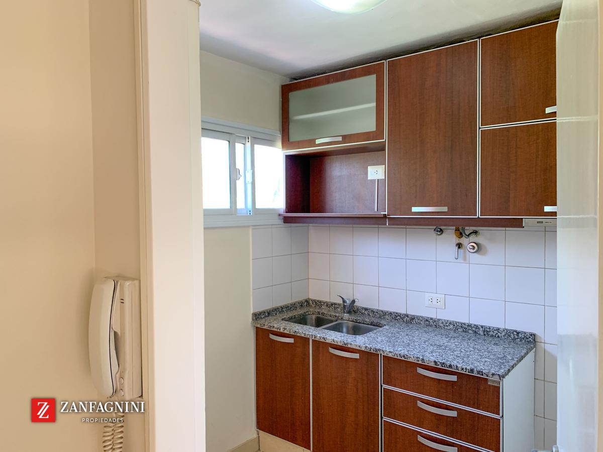 Foto Departamento en Venta en  Mendoza,  Capital  España 2248