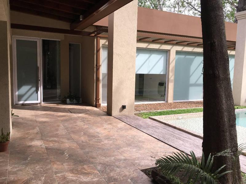 Foto Casa en Venta en  Barrio Parque Leloir,  Ituzaingo  La Espuela N°2800