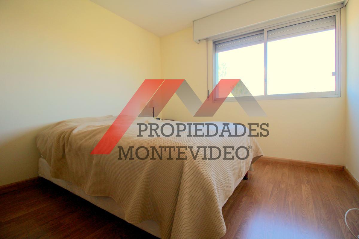 Foto Apartamento en Venta en  Malvín ,  Montevideo  Av Italia al 4800