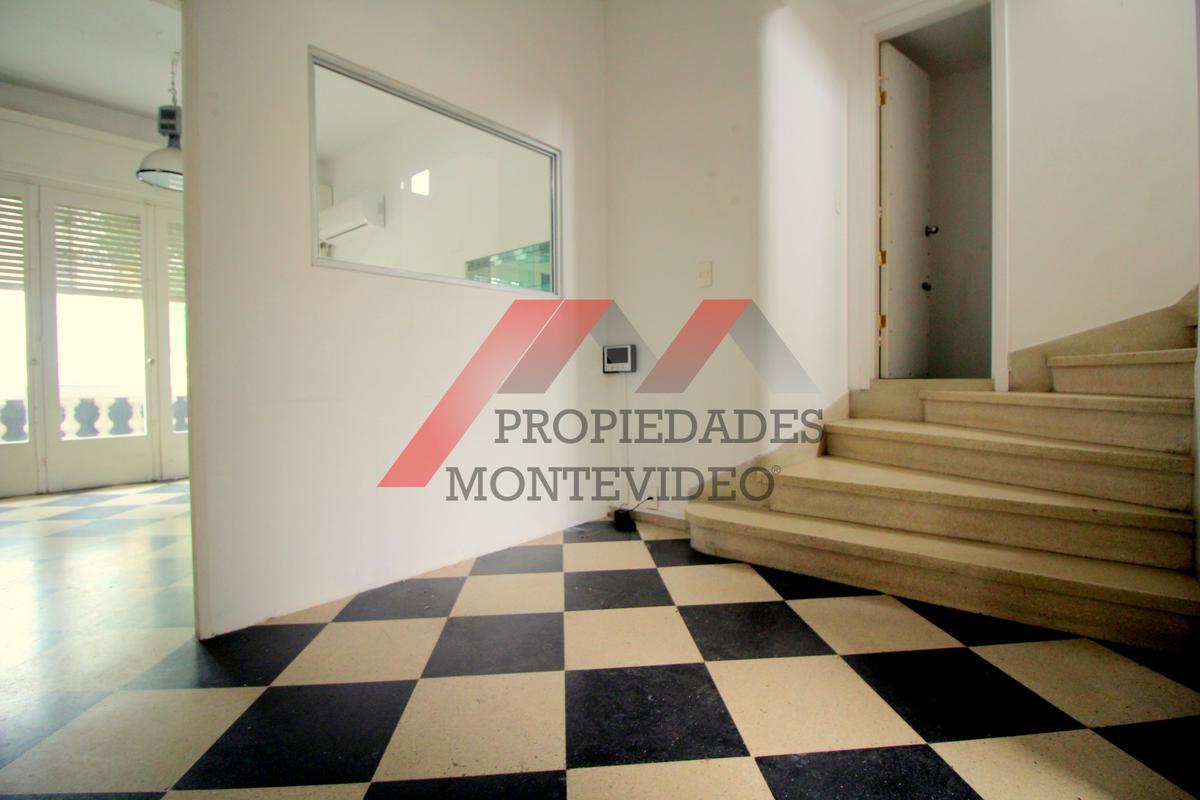 Foto Apartamento en Alquiler en  Pocitos ,  Montevideo  Echeverriarza al 3400