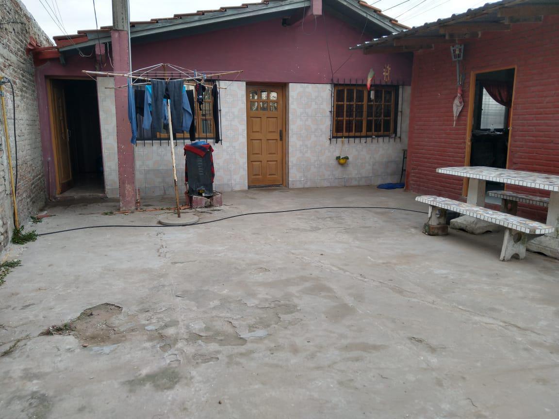 Foto Casa en Venta |  en  Merlo,  Merlo  Centenera al 400