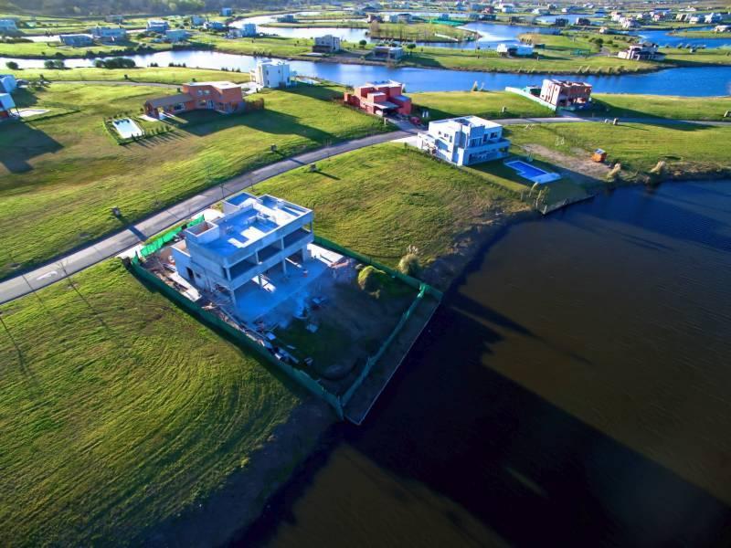 Foto Terreno en Venta en  El Canton - Islas,  Countries/B.Cerrado  Viaducto  al 100