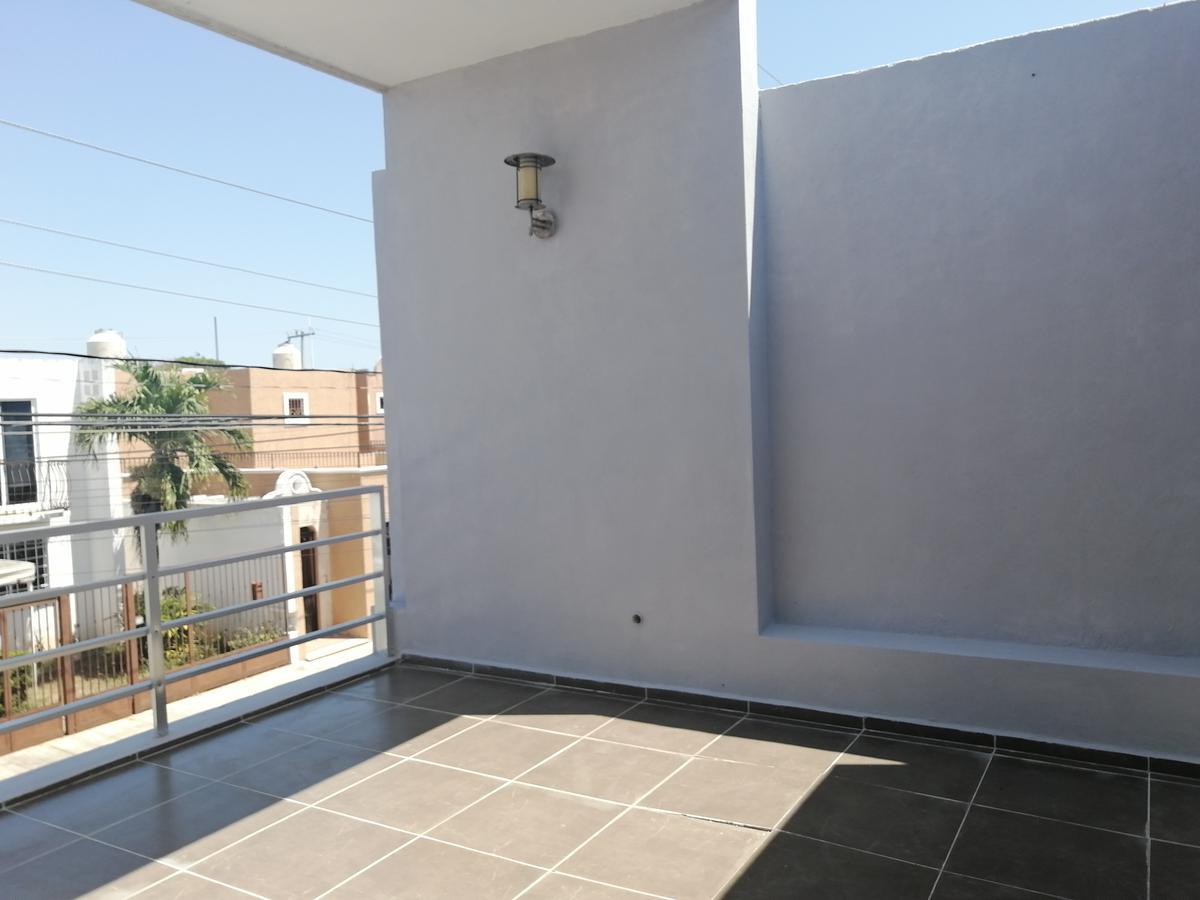 Foto Casa en Venta en  Mérida ,  Yucatán  Casa De 2 Plantas Con 3 Habs En Fracc Pensiones VII Etapa