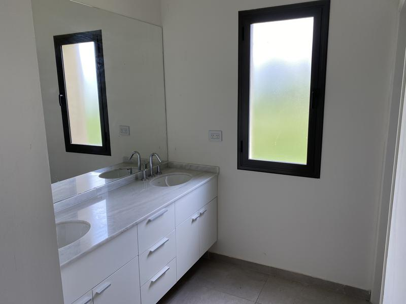 Foto Casa en Venta en  La Cascada Country,  Cordoba Capital  L 64 M 6
