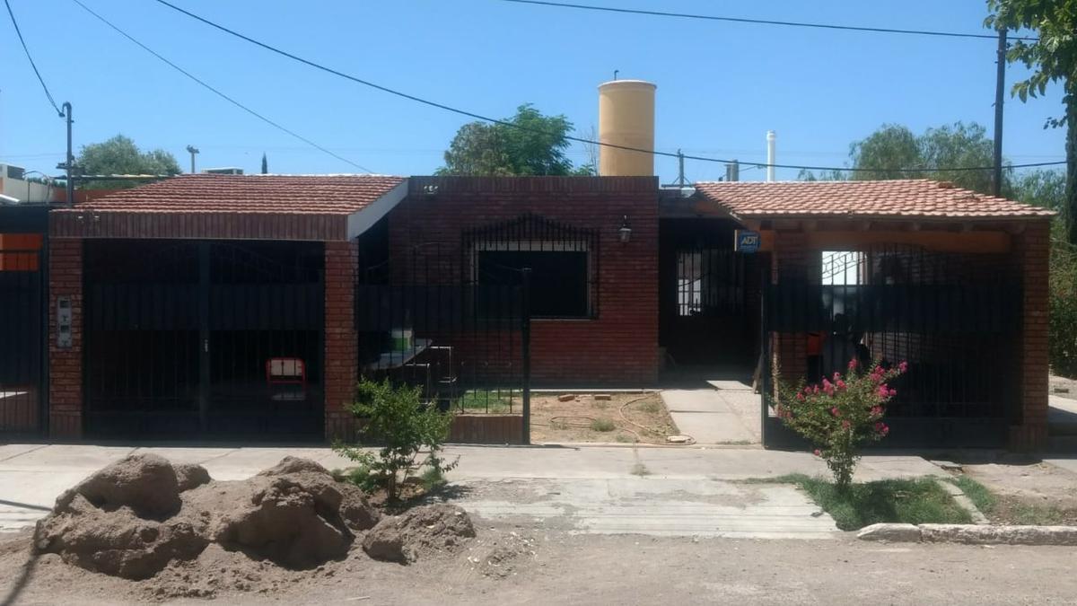 Foto Casa en Venta en  Chimbas ,  San Juan  Saavedra al 500