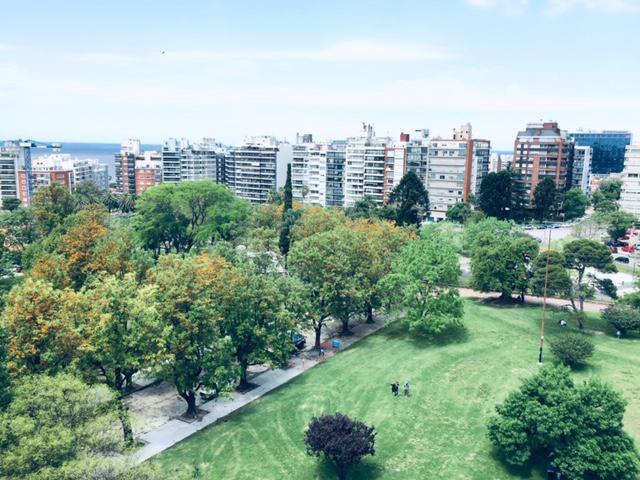 Foto Departamento en Alquiler en  Villa Biarritz ,  Montevideo  Villa Biarritz