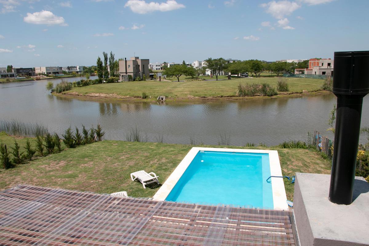 Foto Casa en Alquiler en  El Canton - Islas,  Countries/B.Cerrado (Escobar)  Libertad al 300
