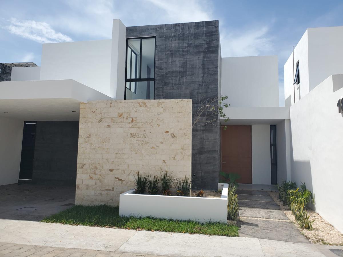Foto Casa en Renta en  Temozon Norte,  Mérida  Bella casa nueva en privada Barlovento Temozón Norte