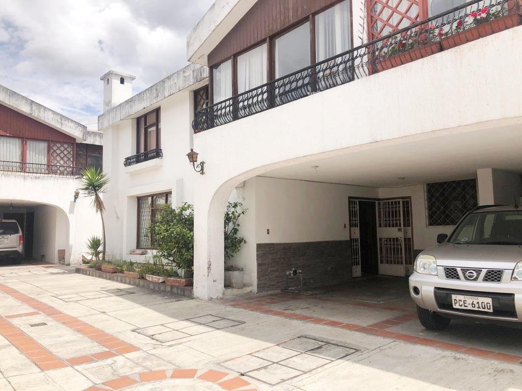 Foto Casa en Venta en  Norte de Quito,  Quito  Joaquín de Arteta y Francisco Marcos