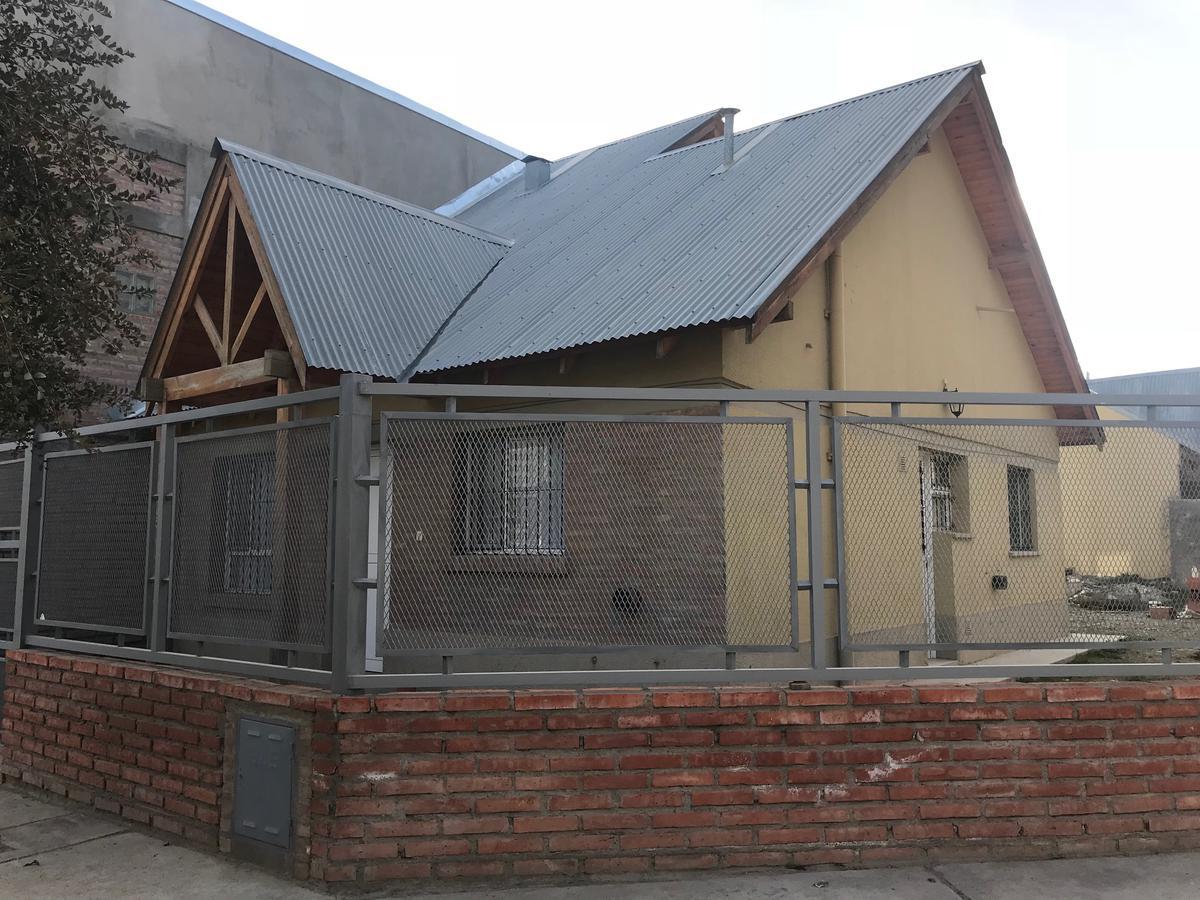 Foto Casa en Alquiler en  Esquel,  Futaleufu  Fontanarosa al 200