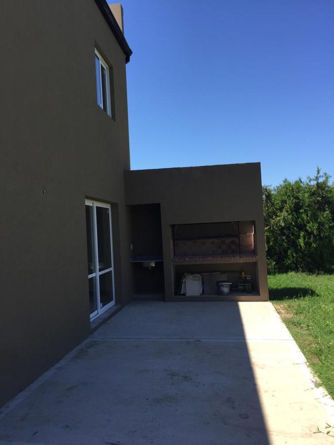 Foto Casa en Venta en  El Hornero,  Countries/B.Cerrado  El Hornero al 100.PILAR.