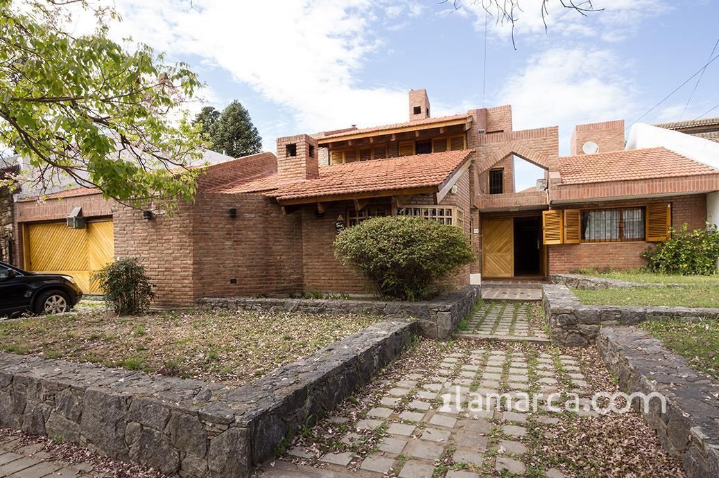 Foto Casa en Venta en  Cerro De Las Rosas,  Cordoba  martel de los rios al 2000