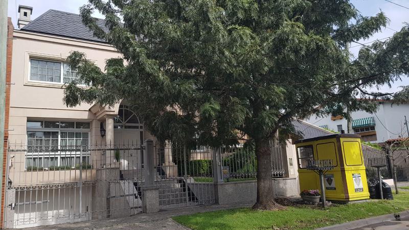 Foto Casa en Venta en  Castelar Norte,  Castelar  Crisólogo Larralde al 2500