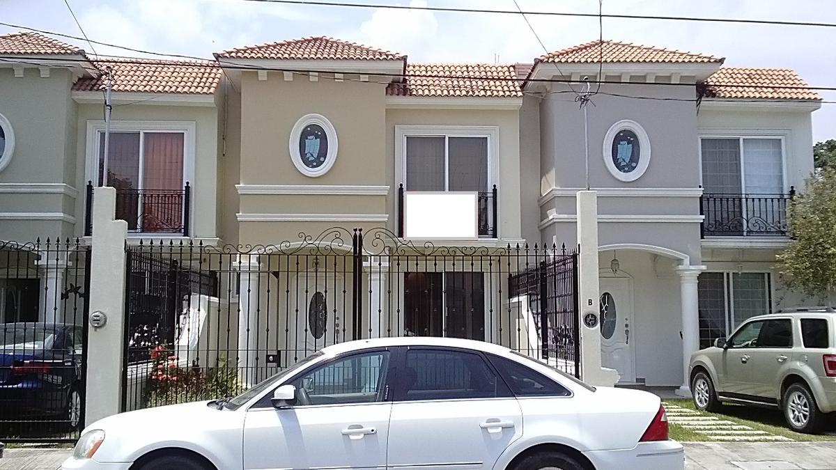 Foto Casa en Renta en  BurocrAtica,  Tuxpan  CASA EN RENTA  COL. BUROCRÁTICA