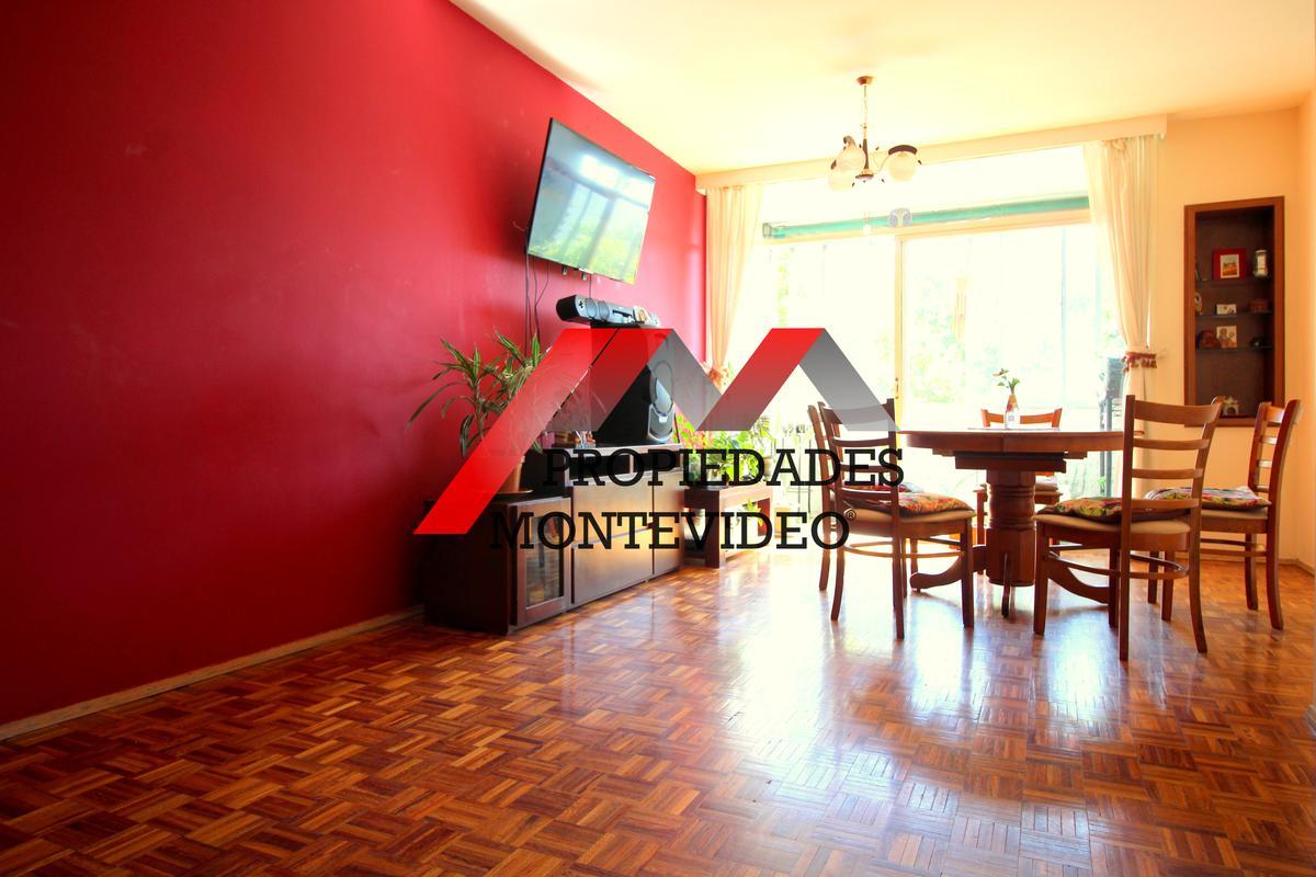 Foto Apartamento en Venta en  Centro (Montevideo),  Montevideo  Centro, Rio Branco al 1400