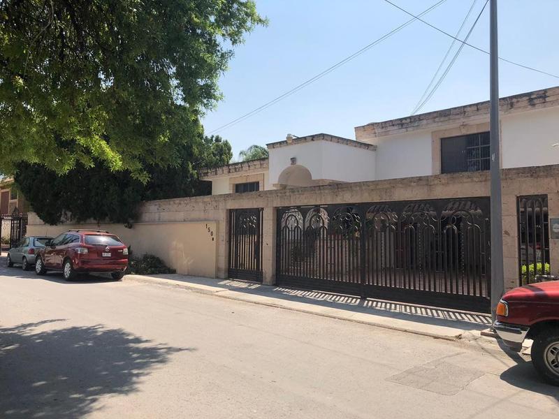 Venta de Casa 4 o mas recamaras en Monterrey Contry