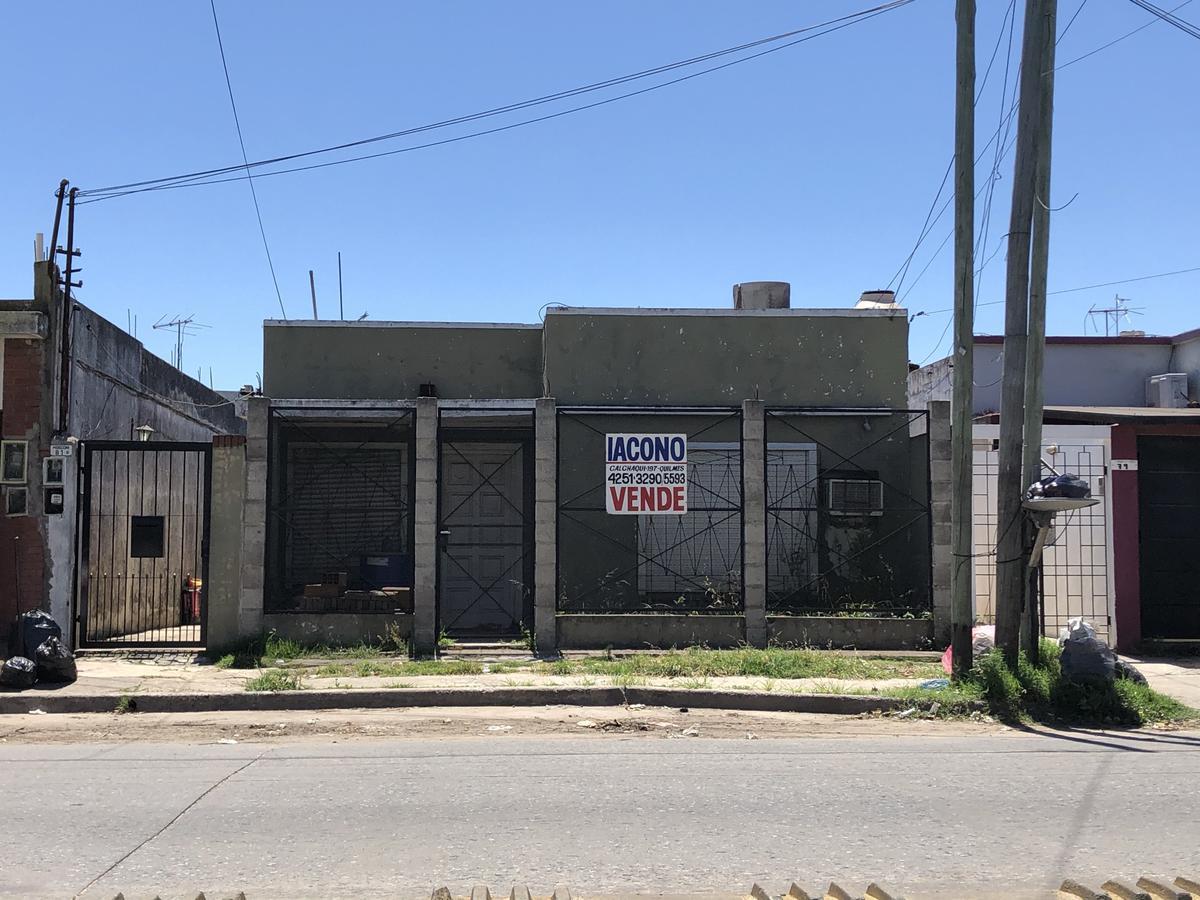 Foto PH en Venta en  Bernal Oeste,  Quilmes  Av. Mosconi 81 entre Boedo y Liniers