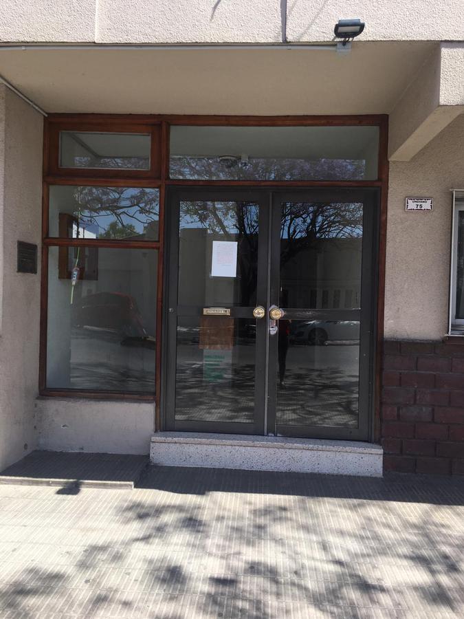 Foto Departamento en Alquiler en  Bahia Blanca ,  Interior Buenos Aires  Undiano 75