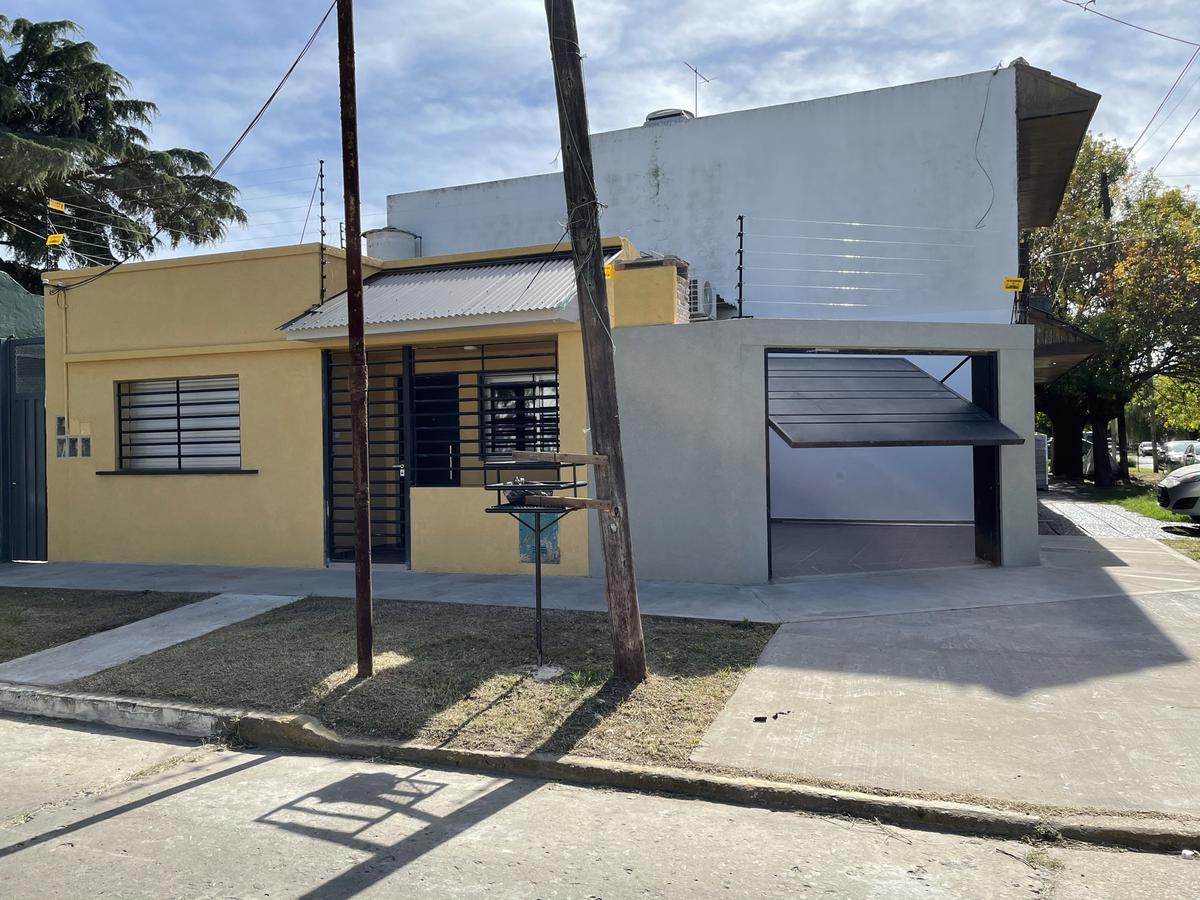 Foto Casa en Venta en  Bernal Oeste,  Quilmes  Boedo 1153 esquina Luis María Campos