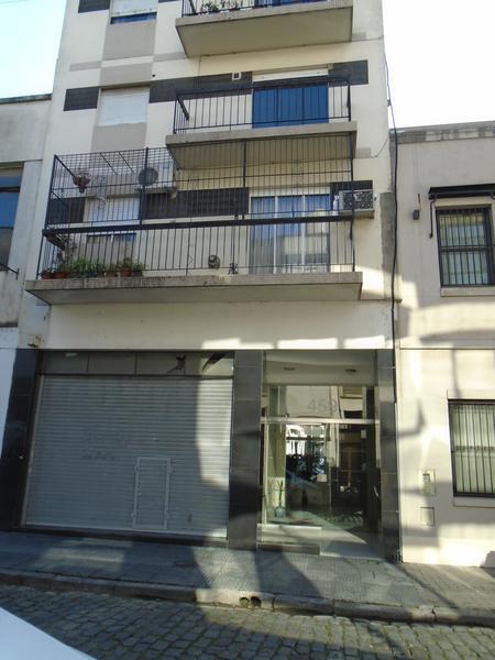 Foto Departamento en Alquiler en  San Telmo ,  Capital Federal  Chile   al 400