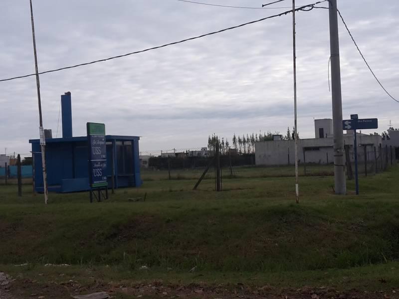 Foto Oficina en Alquiler en  Roldán ,  Santa Fe  Las Acequias. Alquiler de stand/oficina. Paseo del caminante esquina Fiambala sobre lote al 800
