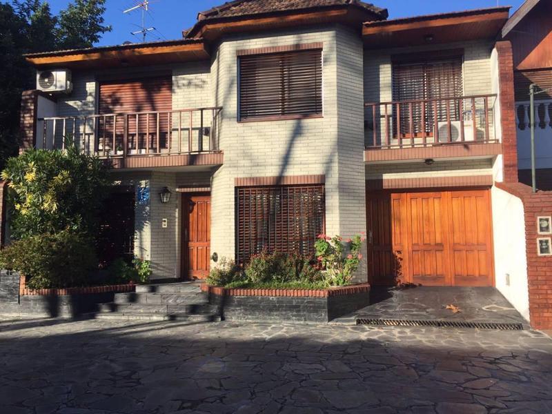 Foto Casa en Venta en  Lomas De Zamora,  Lomas De Zamora  SAENZ 826