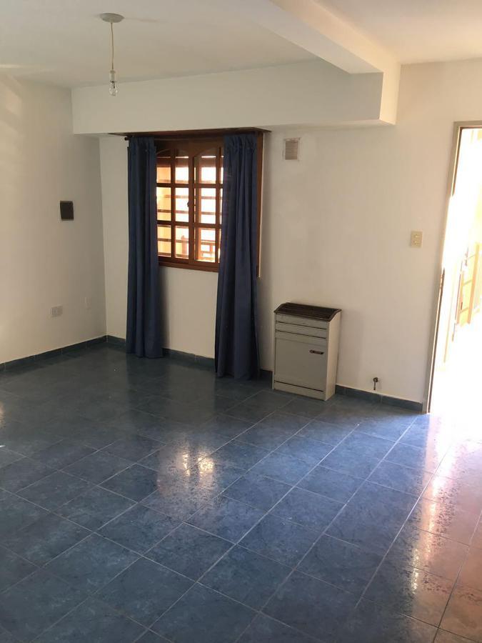 Foto Departamento en Alquiler en  Capital ,  Neuquen  Entre Rios al 900