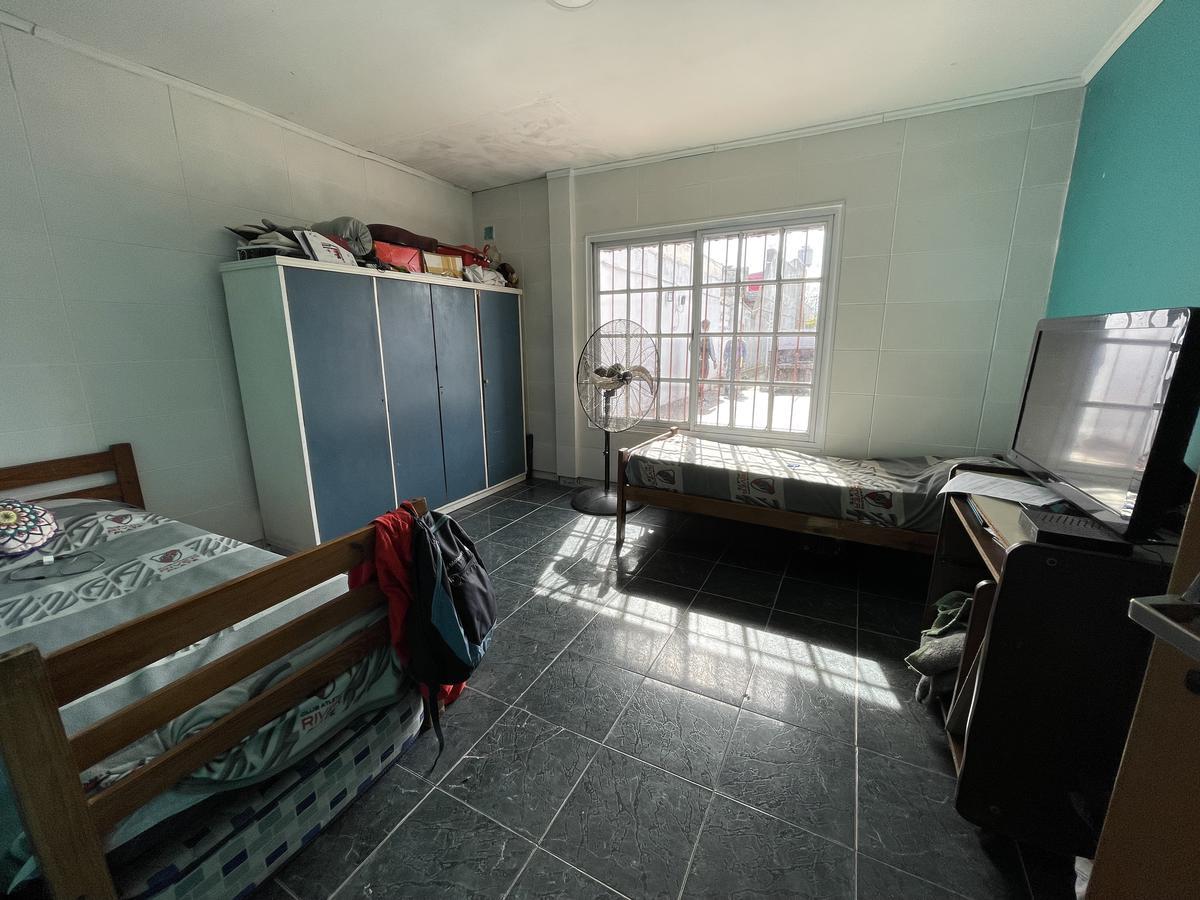 Foto PH en Venta en  Bernal Oeste,  Quilmes  Calle 165 n° 646 entre Av. Cerrito y Zeballos