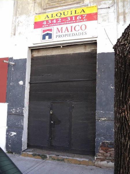 Foto Local en Alquiler en  Boedo ,  Capital Federal  Muñiz al 700