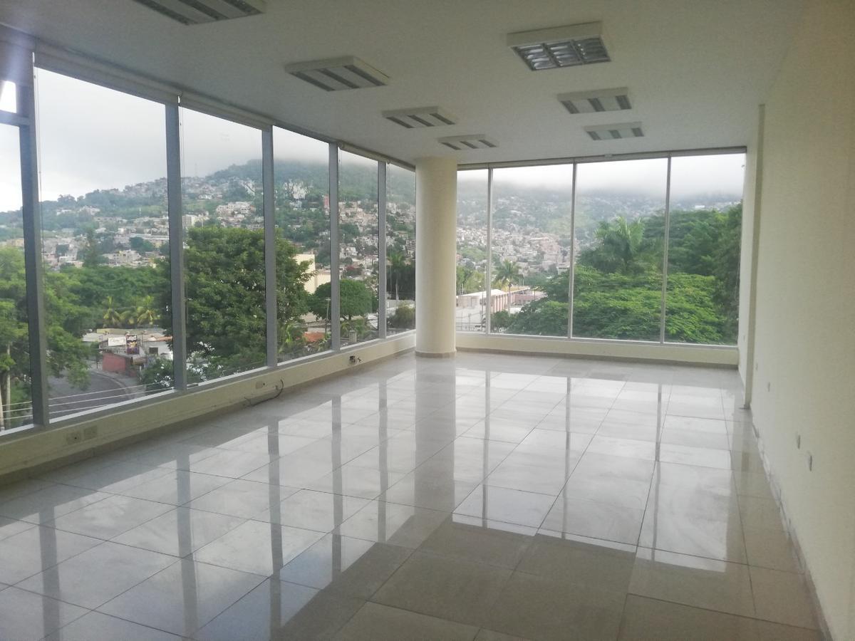 Foto Oficina en Renta en  San Carlos,  Tegucigalpa  Oficina Comercial en Piso 6, Colonia San Carlos, Tegucigalpa