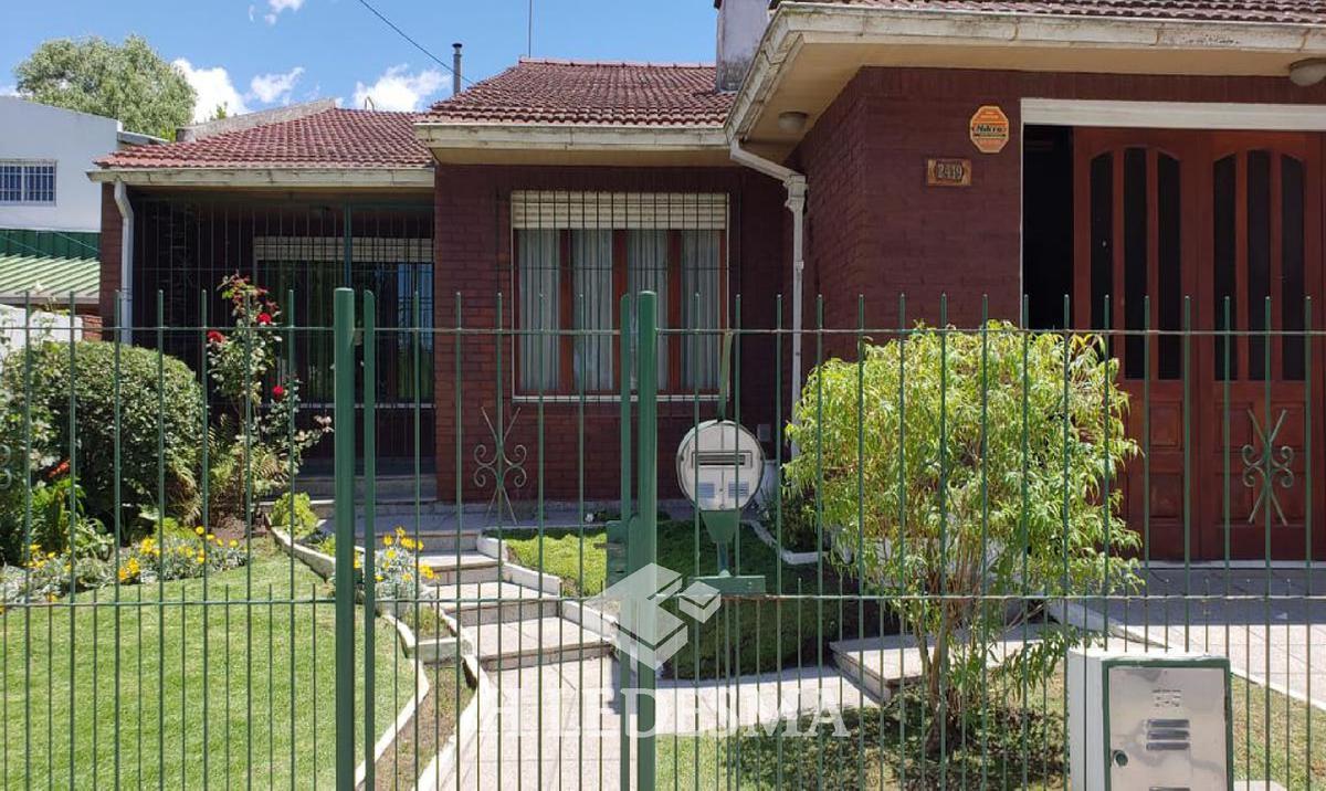 Foto Casa en Venta en  Bosque Alegre,  Mar Del Plata  LOS EUCALIPTOS 300