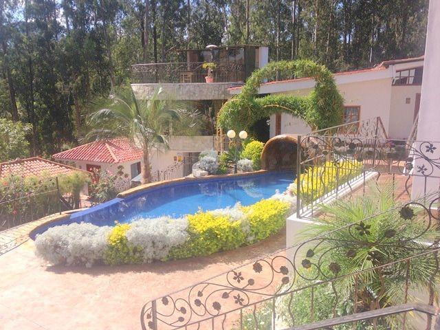 Foto Edificio Comercial en Venta en  Sur de Gualaceo,  Gualaceo  Gualaceo