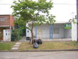 Foto Casa en Alquiler en  Burzaco,  Almirante Brown  Uriburu 2187 e/Falucho y Azopardo. BURZACO