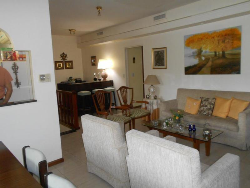 Foto Casa en Venta en  Villa del Parque ,  Capital Federal  FORTIN MELINCUE 2836