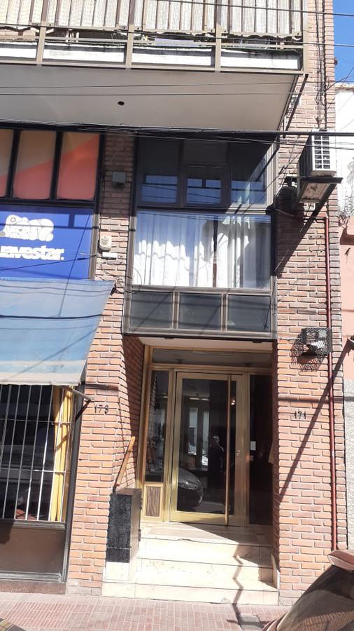 Foto Oficina en Alquiler en  Avellaneda,  Avellaneda  25 de Mayo al 100